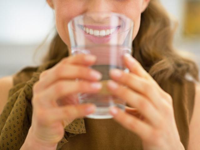 http://medquimheo.com.br/wp-content/uploads/2019/08/Anemia-falciforme-Importância-de-beber-água-640x480.jpg